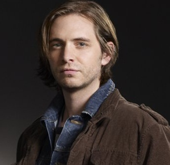 Aaron Stanford Married, Wife, Girlfriend, Dating or Gay