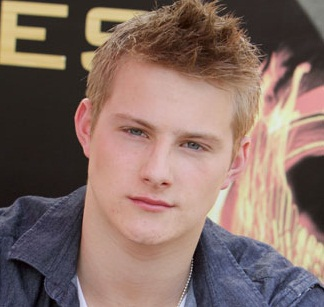Alexander Ludwig Gay, Girlfriend, Dating and Shirtless