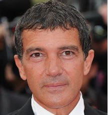 Antonio Banderas Married, Wife, Girlfriend and Young