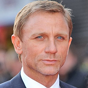 Daniel Craig Married, Wife, Girlfriend, Dating, Gay and Shirtless
