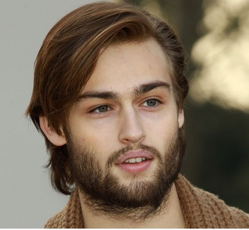 Douglas Booth Girlfriend, Shirtless, Gay and Dating