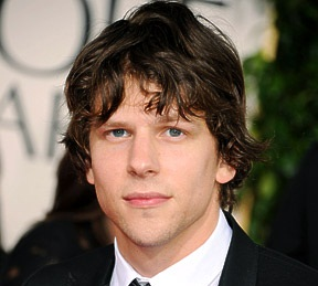 Jesse Eisenberg Girlfriend, Dating, Gay, Shirtless and Net Worth