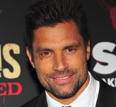 Manu Bennett Married, Wife, Girlfriend, Dating and Gay