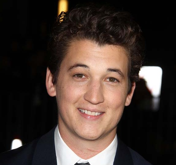 Miles Teller Girlfriend, Dating or Gay and Shirtless