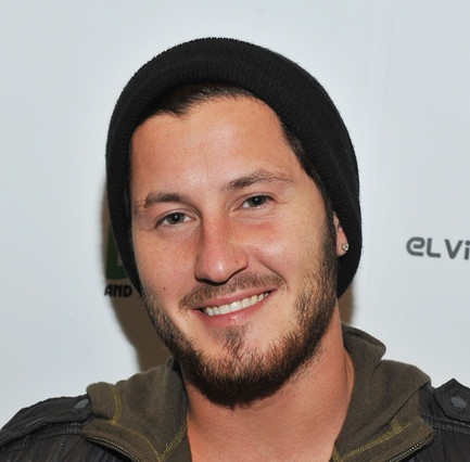 Valentin Chmerkovskiy Girlfriend, Dating or Gay, Shirtless