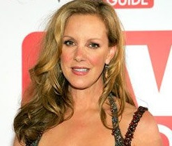 Elizabeth Perkins Married, Husband, Pregnant and Young