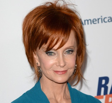 Swoosie Kurtz eye