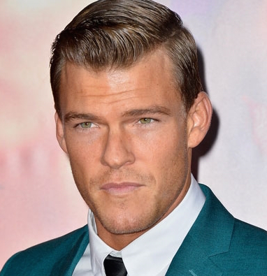 Alan Ritchson Wiki, Married, Girlfriend or Gay and Net Worth