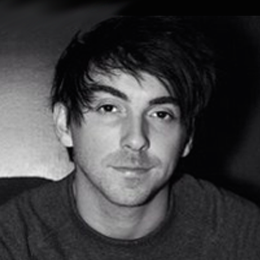 Alex Gaskarth Wiki, Girlfriend, Dating, Engaged or Gay and Net Worth