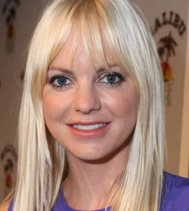Anna Faris Wiki, Husband, Divorce, Plastic Surgery and Net Worth