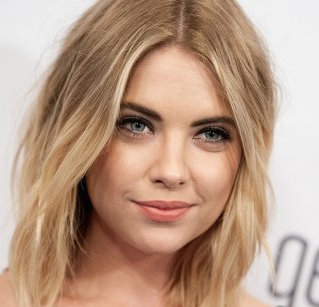 Ashley Benson Wiki, Boyfriend, Dating, Pregnant and Net Worth