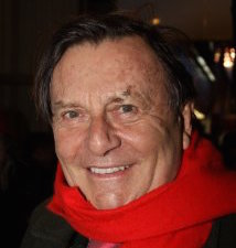 Barry Humphries Wiki, Wife, Health, Dead or Alive and Net Worth