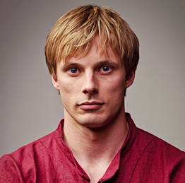 Bradley James Wiki, Married, Wife, Girlfriend or Gay
