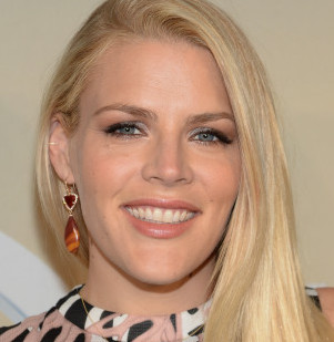 Busy Philipps Wiki, Husband, Divorce, Pregnant/Baby and Net Worth