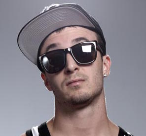 Chris Webby Wiki, Girlfriend, Dating, Tattoos and Net Worth