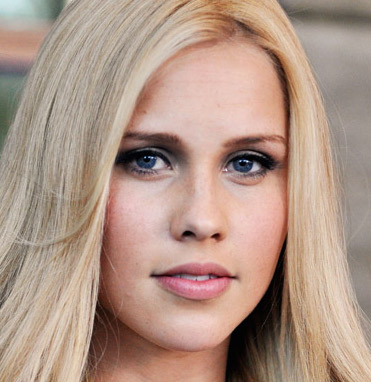 Claire Holt Wiki, Boyfriend, Dating and Pregnant