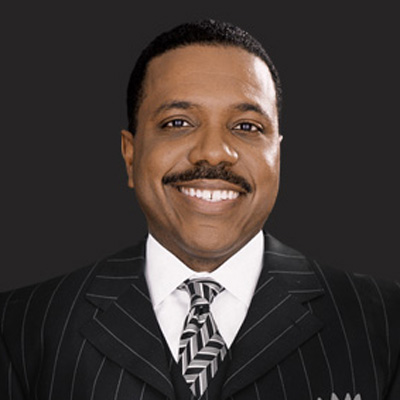 How tall is creflo dollar
