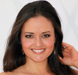 Danica McKellar Wiki, Married, Pregnant and Net Worth