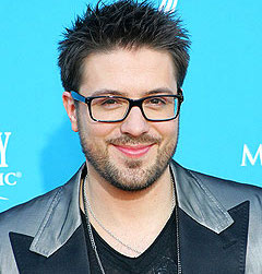 Danny Gokey Is Gay 76