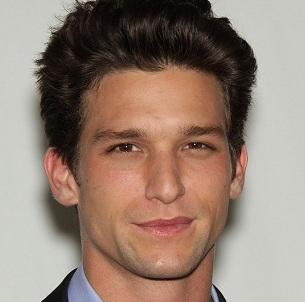 Daren Kagasoff Wiki, Girlfriend, Dating or Gay and Net Worth