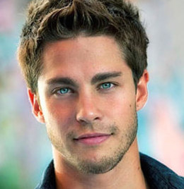 Dean Geyer Wiki, Married, Wife, Girlfriend or Gay