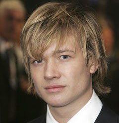 Ed Speleers Wiki, Girlfriend, Dating or Gay