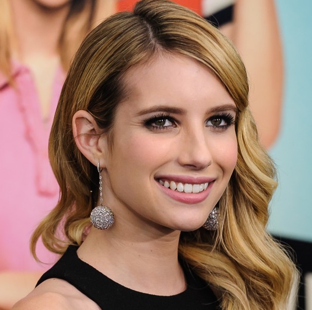 Emma Roberts Wiki, Boyfriend, Dating and Net Worth