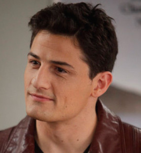 Enver Gjokaj Wiki, Bio, Girlfriend, Dating or Gay, Shirtless