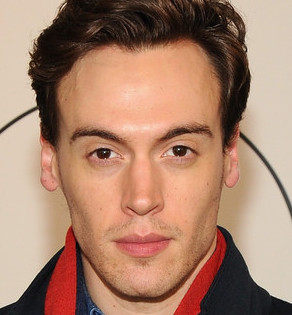 Erich Bergen Wiki, Bio, Married, Wife, Girlfriend or Gay