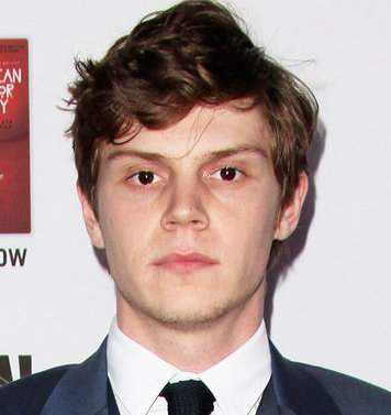 Evan Peters Wiki, Girlfriend, Dating or Gay and Net Worth