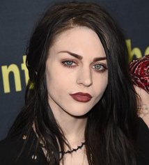 Frances Cobain Wiki, Boyfriend, Dating, Tattoos and Net Worth