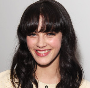 Jessica Brown Findlay Wiki, Boyfriend, Dating and Net Worth