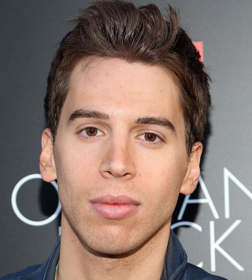 Jordan Gavaris Wiki, Bio, Girlfriend, Dating or Gay