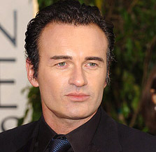 Who is julian mcmahon dating now