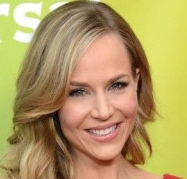Julie Benz Wiki, Husband, Divorce, Boyfriend and Net Worth