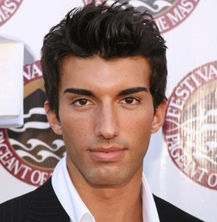 Justin Baldoni Wiki, Married, Wife or Girlfriend, Shirtless