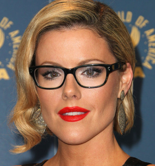 Kathleen Robertson Wiki, Husband, Divorce, Boyfriend and Net Worth