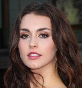 Kathryn McCormick Wiki, Bio, Boyfriend, Dating and Parents