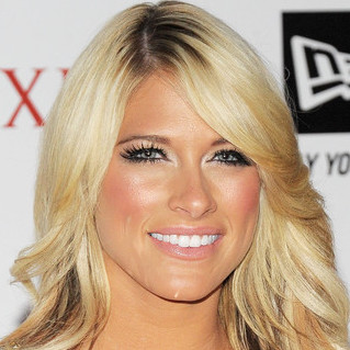 Hot Kelly Kelly Wiki, Boyfriend, Dating and Net Worth