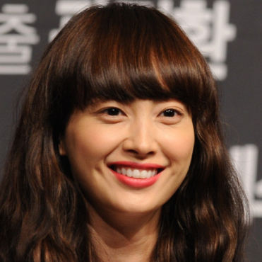 Lee Na-young Wiki, Married, Husband or Boyfriend and Plastic Surgery