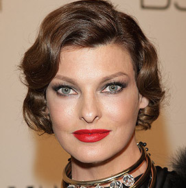 Linda Evangelista Wiki, Bio, Husband, Plastic Surgery and Net Worth