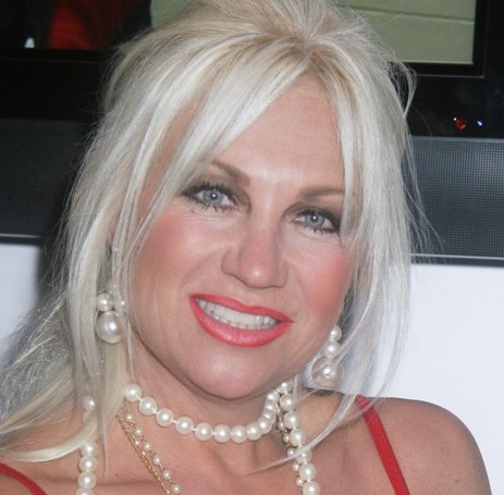 Linda Hogan Wiki, Husband, Divorce and Net Worth