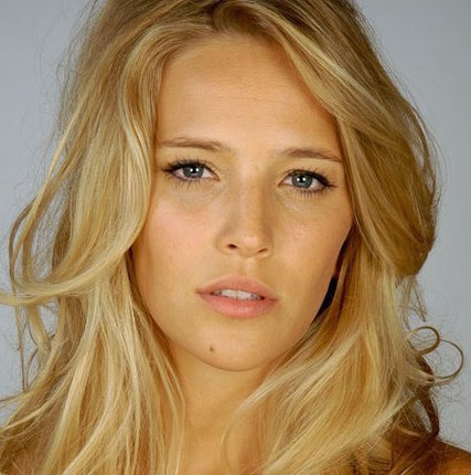 Luisana Lopilato Wiki, Husband, Baby and Net Worth