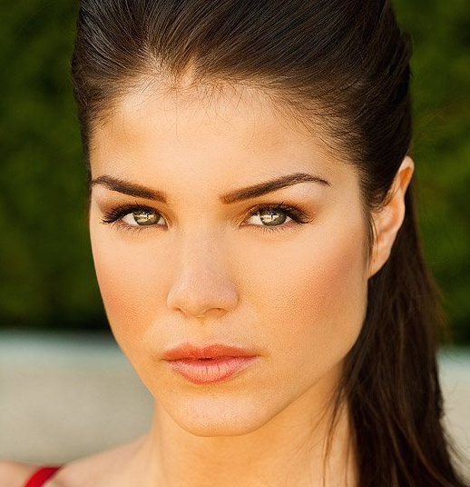 Marie Avgeropoulos Wik...