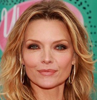 Michelle Pfeiffer Wiki, Husband, Divorce, Young and Net Worth