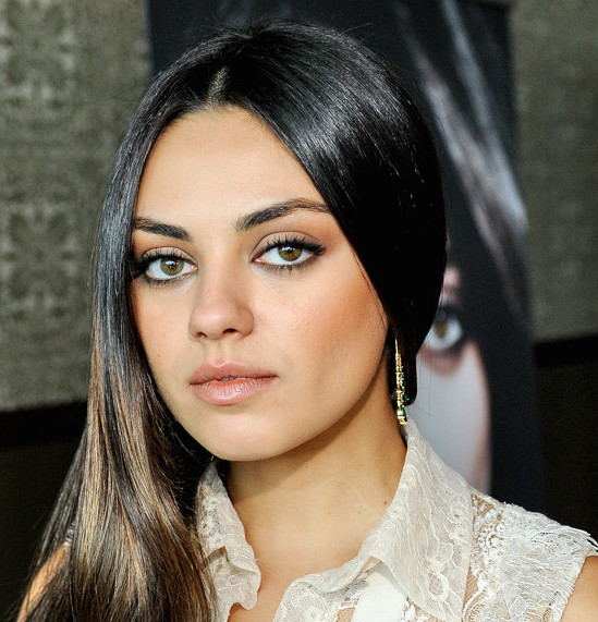 Mila Kunis Wiki, Nationality, Ethnicity, Boyfriend and Net Worth
