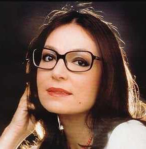 Nana Mouskouri Wiki, Bio, Husband, Health, Dead or Alive