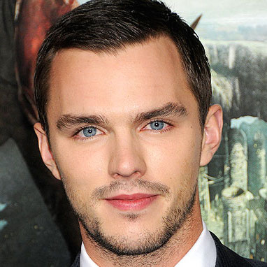 Nicholas Hoult Wiki, Girlfriend, Daring or Gay and Shirtless