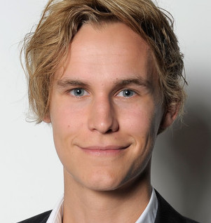 Rhys Wakefield Wiki, Girlfriend, Dating or Gay and Net Worth