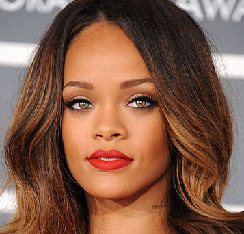 Rihanna Wiki, Boyfriend, Dating, Pregnant and Net Worth